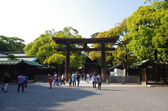 Final Gate before you enter the main shrine (Suman Dahal) Tags: tokyo harajuku meijijingu meijishrine