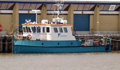 COASTAL SURVEYOR 2 (David Shreeve) Tags: uk england docks boat vessel maritime survey humber grimsby humberside nelincs