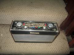r700 (roger.cook6@btinternet.com) Tags: radio receiver transistor roberts r700