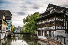 La maison des tanneurs - Strasbourg (Bouhsina Photography) Tags: strasbourg france ville city medievalle maison tanneurs eau canal bouhsina bouhsinaphotogrphy 2016 canon 5diii ef1635 reflection couleur brillant pont ciel nuage