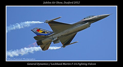GENERAL DYNAMICS / LOCKHEED MARTIN F-16 (Wings & Wheels Photography.) Tags: duxford bdp cambridgeshire baf imperialwarmuseum iwm fightingfalcon canoneos7d generaldynamicslockheedmartinf16 bluediamondphotographic 360squadronbelgianairforce jubileeairshow