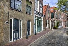 Straatje (Jan Kranendonk) Tags: holland dutch oud stad stoep schiedam huizen straat historisch binnenstad straatje kinderhoofdjes stadsbeeld