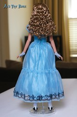 Alice in Wonderland - Alice Kingsley Tonner Doll. (Al's Toy Barn) Tags: white rabbit hearts tim doll alice queen mad wonderland burton hatter tonner dormouse nivens mirana iracebeth mallymkun futterwacken
