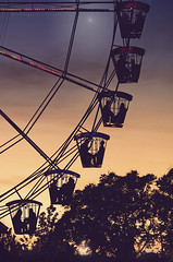 transit of life (Rain...) Tags: life carnival sunset sun colors atardecer death venus sundown feria fair momento vida transit future ferriswheel moment conceptual transito past noria eveningstar descendants descendientes rainphotography luisflopezphotography estrelladelatardecer
