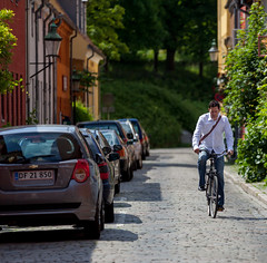 Copenhagen Bikehaven by Mellbin - Bike Cycle Bicycle - 2012 - 8118 (Franz-Michael S. Mellbin) Tags: street people fashion bike bicycle copenhagen denmark cycling cyclist bicicleta cycle biking bici  velo fahrrad vlo sykkel fiets rower cykel urbanlife  accessorize copenhague         biciclettes  cyclechic cycleculture    copenhagencyclechic hccity  copenhagenize bikehaven copenhagenbikehaven velofashion copenhagencycleculture