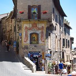 "Assisi <a style=""margin-left:10px; font-size:0.8em;"" href=""http://www.flickr.com/photos/14315427@N00/7511932320/"" target=""_blank"">@flickr</a>"