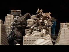 Godzilla vs. Mechagodzilla (ridureyu1) Tags: toy toys actionfigure tokyo destruction godzilla kaiju gojira toho kiryu giantmonster mechagodzilla jtoy toyphotography jfigure rubbersuits sonycybershotdscw220