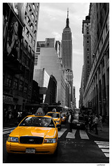 NYC cab (Lanfranco_B) Tags: street new york city nyc bw white yellow cab taxi bn giallo balck bianco nero