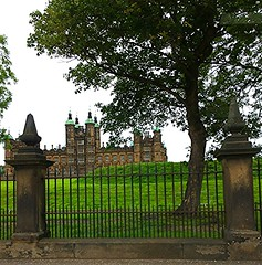Castle in Edinburgh (carolynthepilot) Tags: edinburgh europe explore european europass worldtraveller worldtraveler travel trip goldenwings getaway global adventure carolynbistline carolynthepilot carolynsuebistline interesting explorerworld traveller scenic destination vacation vacationdestination holiday honeymoondestination mike michael postcard photoshoot flickrmindset flickrhivemindnet nationalgeographic nationalgeographicexplorer nationalgeo ngc excursion bistline oldworld mansions estates architectural architecture building home residence villa kingsqueens royalty uk dean scots castle