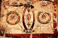Azulejo romano (Vera Schuck Paim) Tags: ruinas romanas nfora antiga casa de banhos romano little cat roman bains afrescos old colunas sacada ferro trabalhado casas rua street