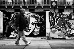 Eye (Davy_Campo) Tags: street streetphotography biancoenero blackandwhite bw torino turin longexposure canon city life