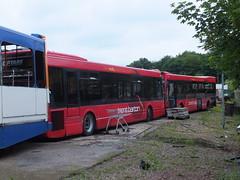 trent barton 263 266 Looms June 2016 (Guy Arab UF) Tags: trent barton 263 y263drc 266 y266drc optare excel looms scrapyard derby derbyshire wellglade buses