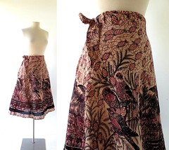 1970s Bird in the Pines block print cotton wrap skirt (Small Earth Vintage) Tags: smallearthvintage vintagefashion vintageclothing skirt 1970s 70s wrapskirt blockprint birds pinetrees cotton