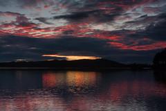 IMG_1534-1 (Andre56154) Tags: schweden sweden sverige wolke cloud himmel sky wasser water see lake ufer sonnenuntergang sunset abend evening dmmerung afterglow spiegelung nacht night reflection