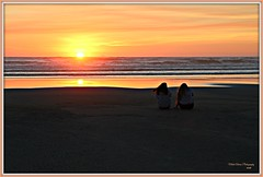 friends... (MEA Images) Tags: sunset sun beach ocean dusk twilight pacificocean nature pacificnorthwest longbeach washington sand reflection canon picmonkey