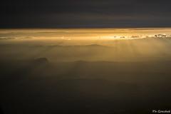 Coucher sur le Pic Saint-Loup (Philippe Goachet) Tags: pic saintloup montpellier france sunset sunrise sun mountain inflight cockpitcapture fromabove from flight deck rais lumière rasante nikon d800
