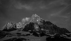 Aiguilles Lumineuses (N/B) (Frdric Fossard) Tags: montagne nature ciel nuage paysage cime arte crte aiguillerocheuse picdemontagne lumire ombre ambiance atmosphre soir luminosit glacierdutour rocher alpes hautesavoie massifdumontblanc france