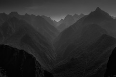 Gorge (Machu Picchu, Peru. Gustavo Thomas  2016) (Gustavo Thomas) Tags: gorge mountains montaas nature naturaleza travel heights alturas machupicchu peru cusco peruvian landscape monochrome bnw blackandwhite