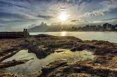 Arpoador reflection (Daniel Schwabe) Tags: ocean sunset reflection beach riodejaneiro moutain ipanema arpoador