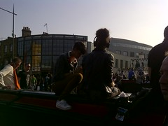 Camden-20120324-00214 (kriD1973) Tags: london camden girls headphones music unitedkingdom greatbritain britain regnounito royaumeuni grandebretagne vereinigteskönigreich england inghilterra angleterre inglaterra londres londra europa europe uk grossbritannien