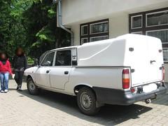 Dacia 1307 Pick-Up Double Cab (Retroautok) Tags: white up cab pickup double romania pick marosvásárhely coverd dacia doublecab fehér 1307 grz románia dacia1307 födött