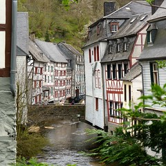 River Rur running through a picturesque Monschau (Bn) Tags: park street houses castle nature river germany walking geotagged town spring scenery north ruin charm eifel historic ruine valley hillside quaint picturesque venn haller fortress narrow monschau duitsland unchanged hedges timbered roer rur hohes rhinewestphalia schilderachtig noordrijnwestfalen geo:lon=6241543 geo:lat=50555264