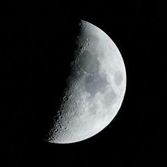 Anglų lietuvių žodynas. Žodis lunar day reiškia mėnulio diena lietuviškai.