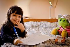 JULIA (Julien Pereira) Tags: portrait playing girl smile child retrato sorriso criana menina brincando
