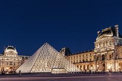 Louvre @ Nite (Marcel Felbor) Tags: paris france museum night canon frankreich louvre sigma 1020mm nachtaufnahme