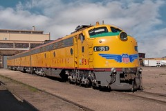 EMD E passenger A&Bs (Rocky Pix) Tags: mountain pix rocky days steam f16 handheld nikkor watertank 45mm frontier excursion 1320sec diesellocomotives rockypix tractionmotors normalzoom 2470mmf28g gmelectromotivedivision cheyennedepot wmichelkiteley upcheyenneyards cheyenneyards emdepassengerabs