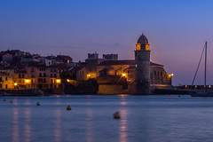 Un campanario (Nathalie Le Bris) Tags: collioure cloche campanario glise iglesia church heurebleue horaazul bluehour mer sea mar