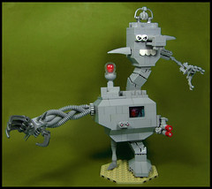 A~Symm~Etria~na~Sline (Karf Oohlu) Tags: asymmetrical asymmetric lego moc chaos robot