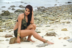 South Actress SANJJANAA Photos Set-5-Hot Piks (22)