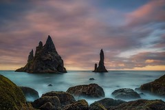 Legendary Creatures (Blai Figueras) Tags: islandia sky agua seascape water horizon landscape amanecer atmosphere coast seaside panorama stones longexposure le rocas sea beach flickr playa paraiso eden paisaje iceland costa cielo clouds mar rocks silkeffect atardecer