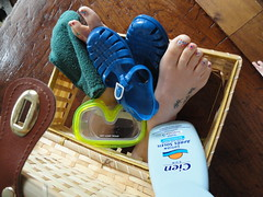 Holiday (basang2012) Tags: summer feet tattoo female toes barefoot toering