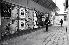 alley - Venice, Italy (Le Xuan-Cung) Tags: venice winter blackandwhite bw sunlight blur lightsandshadows alley nikon mood noiretblanc citylife streetshots streetphotography atmosphere streetlife streetscene nb sw noon venezia venedig sanmarco sunnyday twowomen polfilter nikond1h lagooncity circularfilter livinginitaly livinginvenice inthecolddays