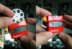 mini View-Master (-Sebastian Vargas-) Tags: vintage toy miniature mini viewmaster juguete reel