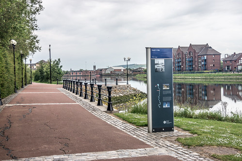 Belfast - Hauler's Way On The Banks Of The River Lagan