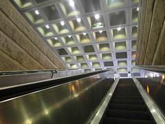 """""""Escla-lier"""" (Mai 2012) (Ostrevents) Tags: paris france building les construction escalator halles escaliers chn escalierroulant chantierdeshalles ostrevents"""