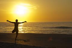 Ritual (Cristiano Monteiro) Tags: praia rio yoga prainha hemp recreio nascente