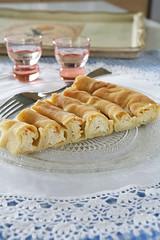 γλυκιά πίτα με μυζήθρα & σιρόπι - sweet cheese pie from Crete