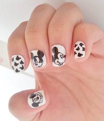 mickey (Chá de Unhas) Tags: white black disney nails unhadecorada