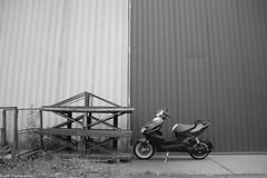 Yamaha Aerox 2010 (Dannny32) Tags: blackandwhite white black netherlands photoshop arnhem yamaha carbon 2010 meinerswijk aerox