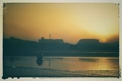 Sonnenaufgang... (hobbit68) Tags: beach sky wolken clouds himmel sommer ozean andalucia kste outdoor sonne old strand canon wasser sonnenaufgang sonnenschein alt holiday espana spanien urlaub ufer