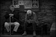 Somewhere on my way @ Ireland - 2015/06/22 (Geert Haelterman) Tags: geert haelterman streetphotography straatfotografie photographiederue photoderue fotografadecalle fotografiadistrada strassenfotografie candid streetshot monochrome black white blackandwhite zwart wit ireland ierland nikon d300s