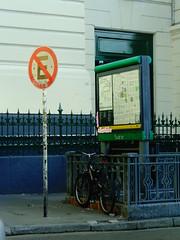 Contradiccin (sinmigo13) Tags: bici bike sign seal prohibido no subte city ciudad