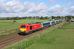 67015 Vulcan Bank 26th August 2016 (John Eyres) Tags: 67015 approaching winwick jct with 1d3 0950 manchester piccadilly holyhead 260816 arriva