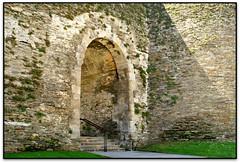 Porta Falsa, Lugo (Jess Cano Snchez) Tags: elsenyordelsbertins canon eos20d tamron18200 enunlugardeflickr espanya espaa spain galicia lugoprovincia lugo muralles murallas walls roma romano roman unesco