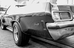 Oldsmobile Delta 88 - I (Theunis Viljoen LRPS) Tags: krakow oldsmobiledelta88 poland sienna