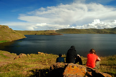 Puno, Sillustani - Peru (Martintoy) Tags: trip travel peru inca nikon d2x andes nikkor andino sillustani andean incas puno chulpa chulpas